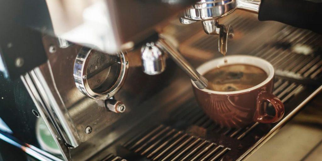 koffiezetapparaat met espresso