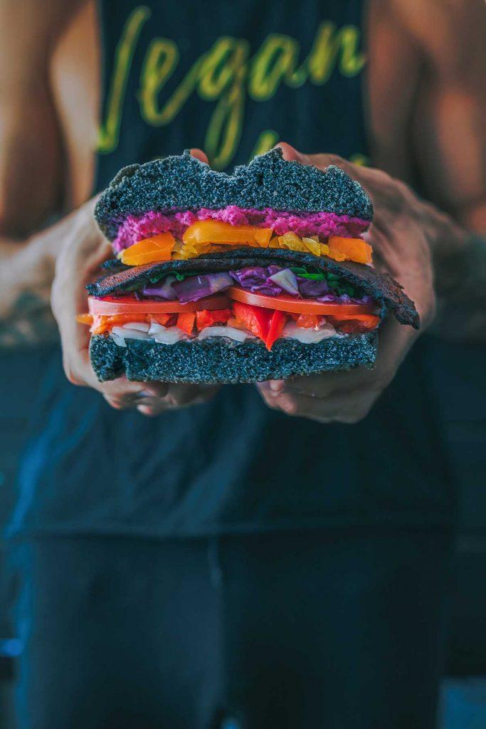 vegan-burger-groentenbroodje-thedailygreen