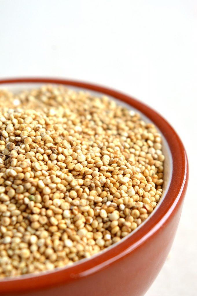 vegan-recept-quinoasalade-thedailygreen