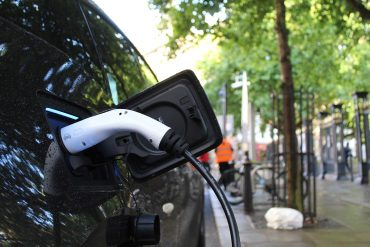 subsidie-elektrisch-rijden-thedailygreen